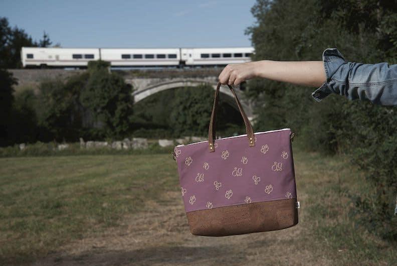 Xianna shopping bag train
